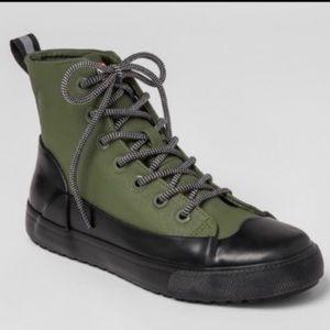 Hunts Canvas Sneaker (unisex) Brand New